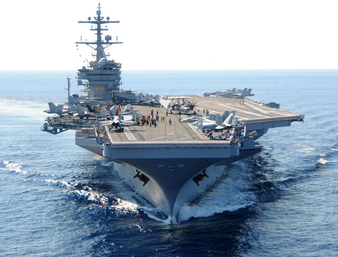 L'USS George H. W. Bush (CVN-77). Il s'agit d'un porte-avions à propulsion nucléaire de la classe Nimitz (sous-classe Ronald Reagan). Commandé le 26 janvier 2001, sa construction a débuté le 6 septembre 2003. Lancé le 7 octobre 2006, il est en service depuis le 10 janvier 2009 (Photo : US Navy)