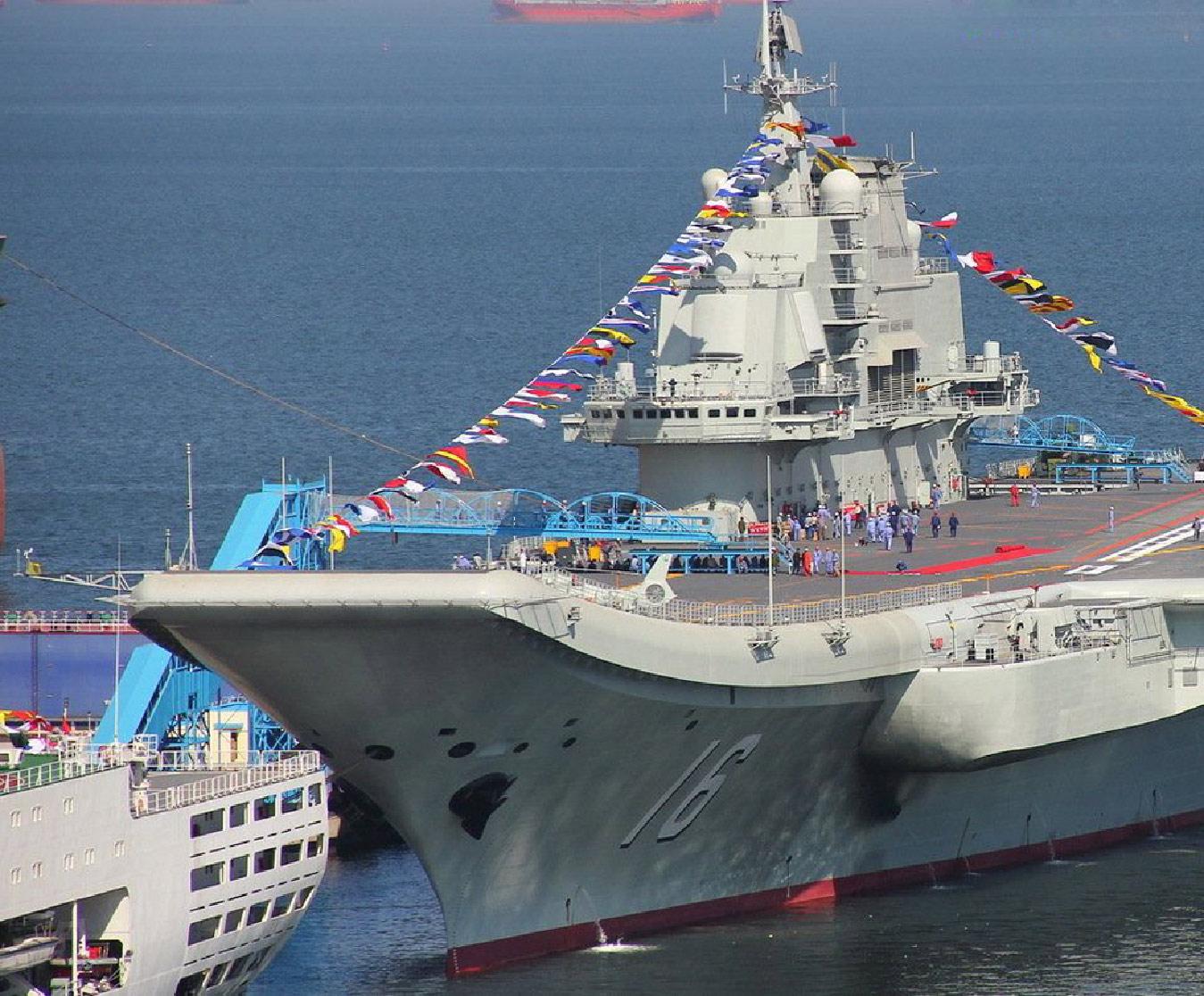 Le Liaoning, ex-Varyag (soviétique), premier porte-avions de la marine chinoise