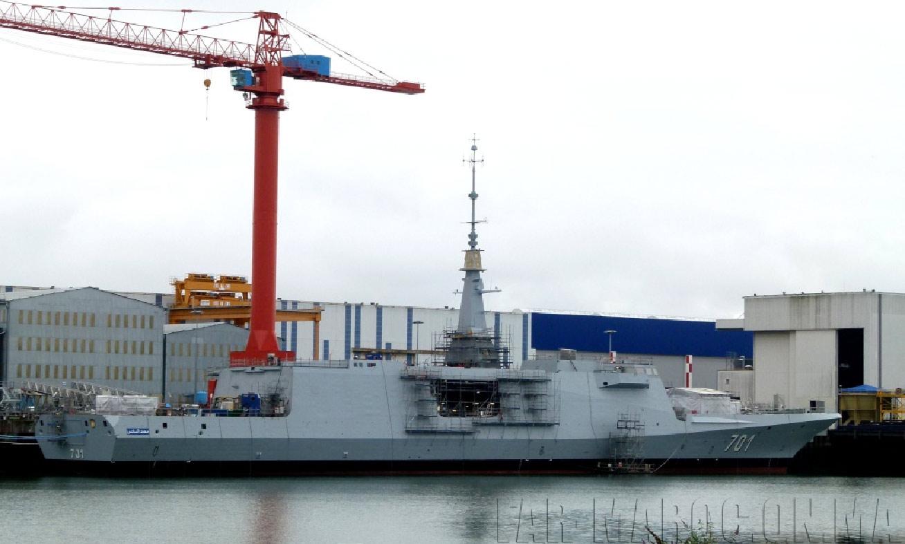 La frégate multi-missions Mohammed VI commandée par le Maroc à DCNS, en armement à Lorient (DCNS)